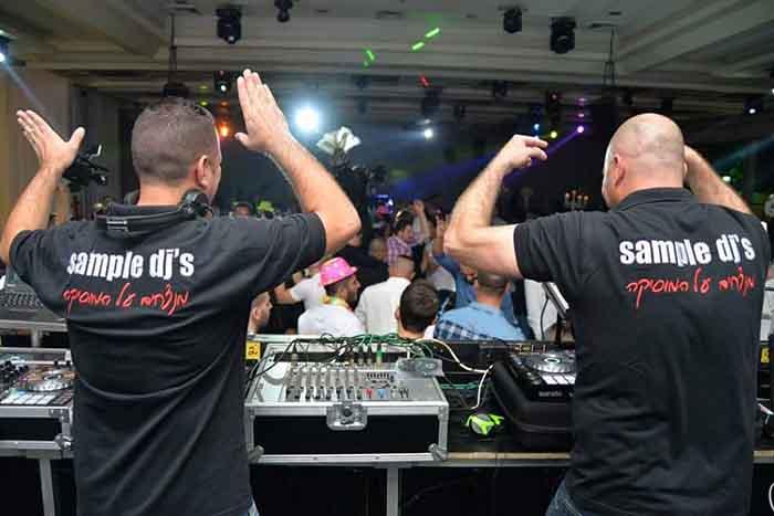 דאבל DJ