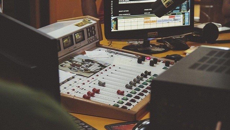 הקלטת שיר באולפן הקלטות לפני האירוע הגדול